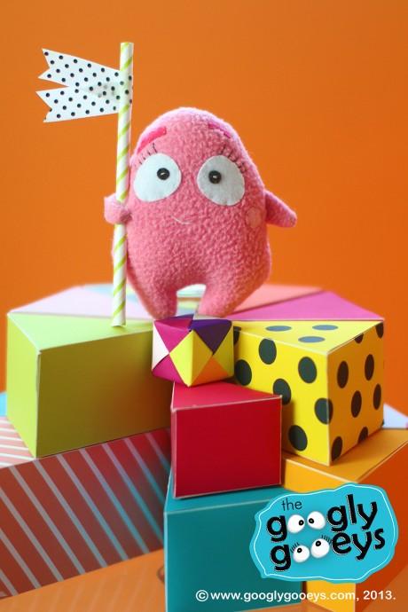 Googlygooeys' Tipsy as a Cake Topper